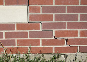 a foundation wall crack on a Cottonwood home.